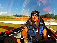 グライダー曲技世界チャンピオンの曲技飛行ビデオ。どんな動きすんだよwww
