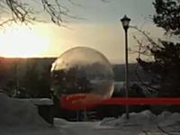 シャボン玉が飛ばない!?極寒の地ではシャボン玉すら凍ってしまう・・・。