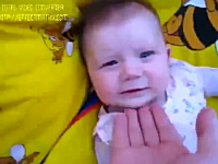 パパが赤ちゃんで「アババババババ」やってみた動画。子供で遊ぶなwww