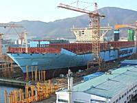 造船所タイムラプス。世界最大級のコンテナ船「マースクTriple-E」の作り方。