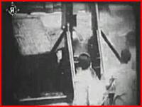 貴重映像 実際に行われていたギロチンによる処刑の映像 再生注意