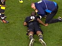 サッカーFAカップで試合中に倒れたファブリス・ムアンバ選手が危篤状態に。