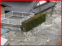 製菓会社の社長さんが撮影した津波の映像の続きがアップされる。高画質