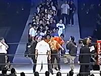 殴られる為に長蛇の列を作る日本人に外国人が困惑。「日本不思議すぎ:D」