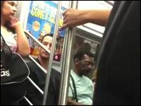 キアヌ・リーブスさん。今度は地下鉄で女性に席を譲る姿が盗撮されアップされる