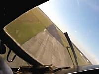 エクストリームスポーツではパイロットまでもがクレイジーな場合がある着陸