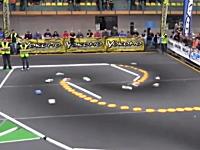 海外のラジコンCARレースがハンパねぇwwwライン取り完璧すぎワロタwww