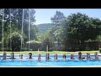楽しそうで羨ましい。水鉄砲でベラージオスタイルの噴水ショーをやってみた
