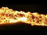 直接対決「火炎放射器vs消化器」という夢の対決を実現させたショートビデオ