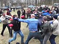 ロシアのお祭りでは集団で殴り合うイベントがある。結構ガチじゃねえかwww