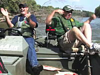 でけえ!ハクレンの跳躍やべえ!ウォバッシュ川すげえ!お魚取り放題?