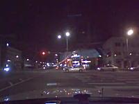 凄い凹み。交差点で横からどーん!とやられた車がこちらに転がってキタ!