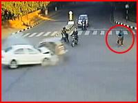 生死を分けた停止位置。恐ろしい交通事故に巻き込まれてしまった自転車。