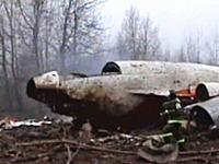 ポーランドの大統領などが死亡した旅客機墜落事件の事故後の映像が公開される