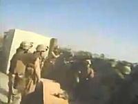 攻撃こそ最大の防御。イラクの最前線の砦で戦う海兵隊たちのムービー。