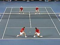 なんだコイツらの反応は。テニス男子ダブルスの凄い試合。ブライアン・ブラザーズ