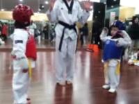 5歳児によるテコンドーの対戦が可愛すぎてニヤニヤするww和み系韓国動画