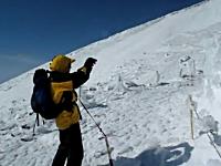 登山動画。冬の富士山はこんなにも危険。日本の山とは思えない光景。