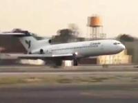 パイロットGJ。前輪を失った状態でボーイング727型機を着陸させるムービー