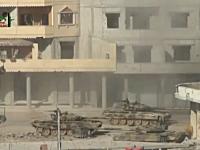戦車が一発のRPGで破壊されてしまう瞬間。中の人は黒焦げかしら・・・。