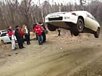 シビックが離陸したwwwジャンプポイントで調子に乗ってぶっ飛びすぎた車