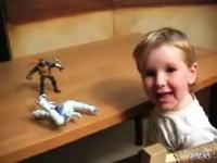 才能がありすぎる3歳児 フィンガー・ペインティングでミケランジェロ