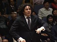 マンボ!とか言っちゃうw 演奏者が超ノリノリな面白いオーケストラww