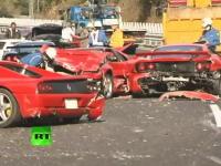 中国道でフェラーリ6台を含む14台の車が絡む事故の現場の映像がキテタヨ