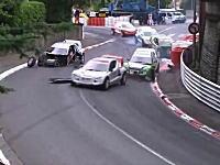 やっぱり自動車レースにはエンジン音が必要。電気自動車でのクラッシュ映像