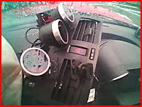 信号で停止したら後ろから凄い勢いでトラックに突っ込まれるドライブレコーダー