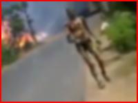 9人が死亡したタンクローリー爆発火災から大火傷を負いながら生還した男性の映像がコワイ。