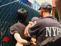 NYホットドッグ早食い大会元チャンピオン小林尊さんがガチで警官に拘束される