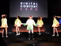 「すごい・・・。」のか?美少女ロボット未夢(ミーム)が披露した歌と踊りに驚嘆