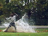 ただの水たまりもカメラを通してスローモーションで見るととても楽し(・∀・)イイ