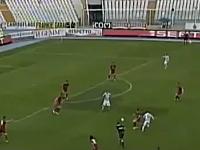 サッカー・セリエBの試合中に倒れたピエルマリオ・モロジーニ選手が死亡。