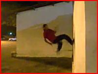 危険な落ち方したよね(@_@;) 壁宙で壁を蹴って上にあがってしまうとこうなる
