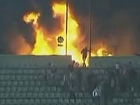 ナイフで刺し殺す。エジプトのサッカーの暴動で85人が死亡・・・。怖すぎる。