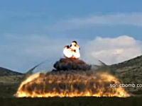 見えた見えた!爆発の瞬間をハイスピード撮影したら衝撃波が見えた!