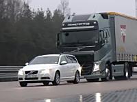ボルボがトラック用に開発した新しい追突回避システムのデモンストレーション