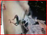 夫婦と3歳の子供をはね飛ばしてドライバーも車から射出・・・。酷すぎる事故