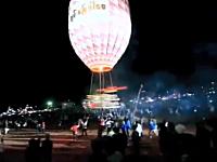 ミャンマーの熱気球祭り(炎バルーン)がデンジャラスなアクシデントで逃げろ