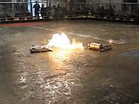 完全破壊!?火炎放射!?海外のロボコンは激しすぎてとても危険だ!