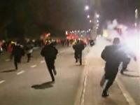 【南ア】試合会場の警備員500人が警官隊と衝突 警官隊がゴム弾で鎮圧