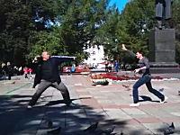 これはワロタwwwロシアの召喚武術「ポッポの技」が馬鹿すぎワロタwww