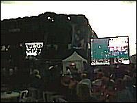 カナダで野外ライブ中に突風でステージが崩壊。オタワ・ブルースフェスタ