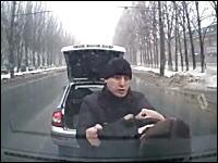 ドライブレコーダーのおかげで無実が証明された例。おそロシアの交通事故