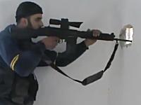 スナイパー同士の戦いシリア編。狙撃ポイントを離れた瞬間に狙われる兵士。