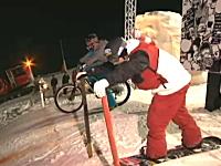 雪上バトル。スノボとチャリンコどっちが早いか!ゲレンデで勝負したった動画