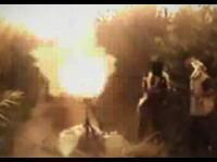 迫撃砲が手元で爆発してしまう衝撃のアクシデント