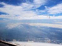 旅客機のパイロットが見る光景。高画質なコクピットからの眺め(タイムラプス)
